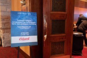 Pancarte - Comment intégrer durablement les technologies dans nos pratiques d'affaires - Francis Bissonnette conférencier invité au Congrès de la CMMTQ - Technologie et construction BatimatechDSCF3950