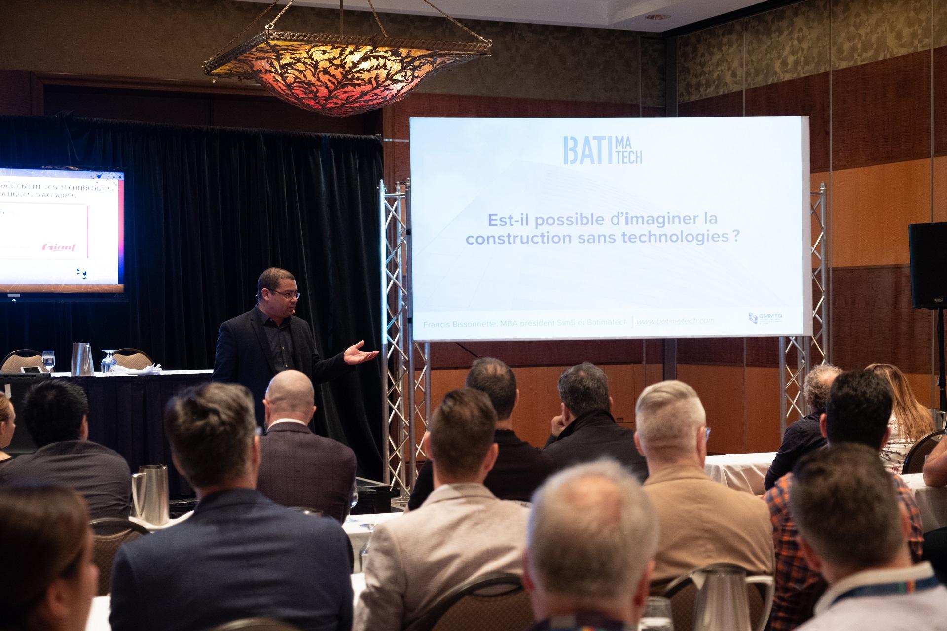 Pancarte - Comment intégrer durablement les technologies dans nos pratiques d'affaires - Francis Bissonnette conférencier invité au Congrès de la CMMTQ - Technologie et construction Batimatech DSCF3950